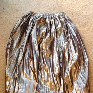 Gap midi gold foil skirt